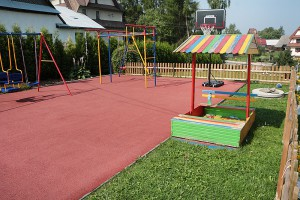 plac-zabaw-dla-dzieci- (1)